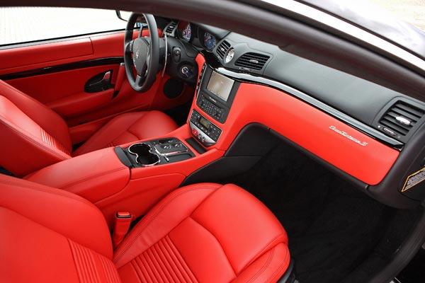 Интерьер салона Maserati GranTurismo S