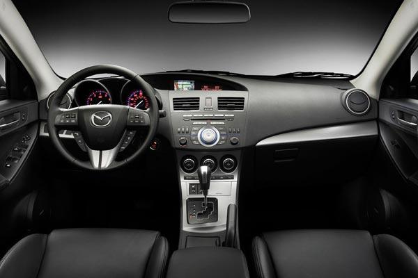 Интерьер салона Mazda 3 Sedan