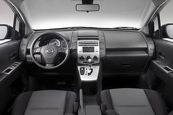 Интерьер салона Mazda 5