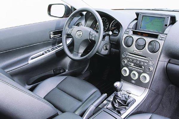 Интерьер салона Mazda 6