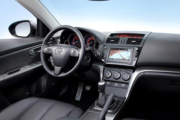 Интерьер салона Mazda 6 Wagon
