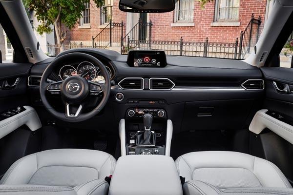 Интерьер салона Mazda CX-5