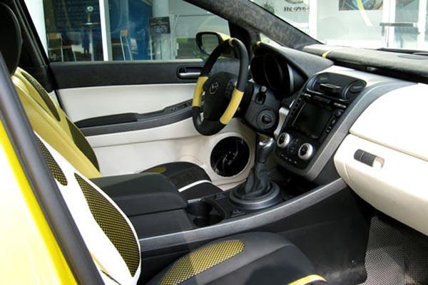 Интерьер салона Mazda CX-7 Adrenaline Prototype
