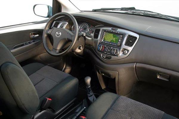 Интерьер салона Mazda MPV