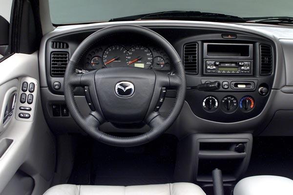 Интерьер салона Mazda Tribute