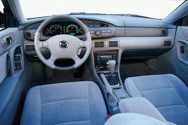 Интерьер салона Mazda Xedos 9