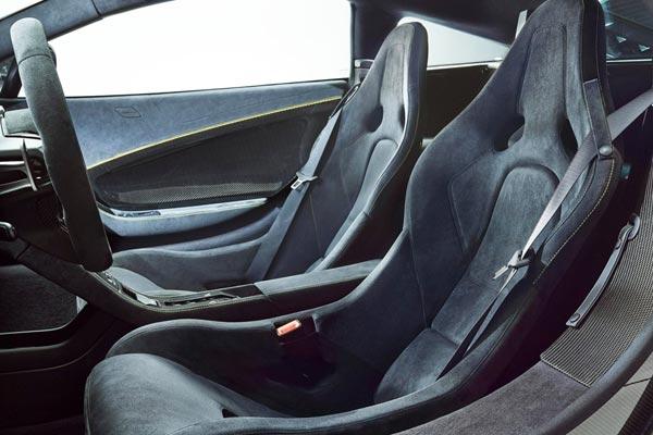 Интерьер салона McLaren 650S