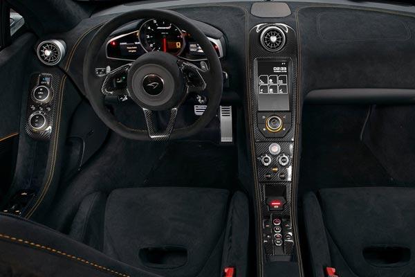 Интерьер салона McLaren 650S Spider