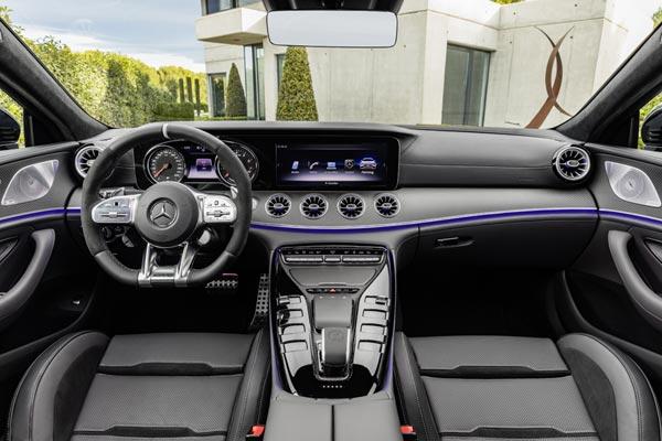 Интерьер салона Mercedes AMG GT53 4-Door Coupe