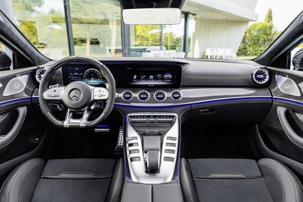 Интерьер салона Mercedes AMG GT63 4-Door Coupe