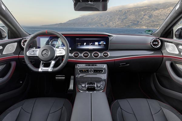 Интерьер салона Mercedes CLS 53 AMG