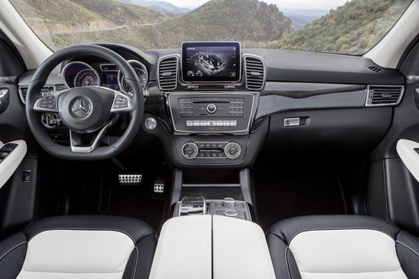 Интерьер салона Mercedes GLE