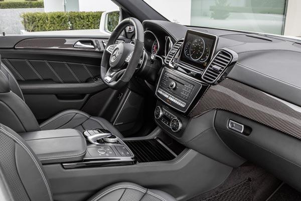 Интерьер салона Mercedes GLE 63 AMG