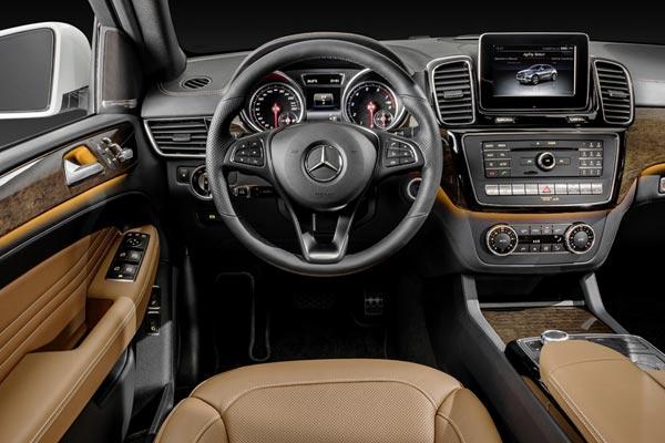 Интерьер салона Mercedes GLE Coupe