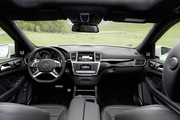 Интерьер салона Mercedes GL63 AMG
