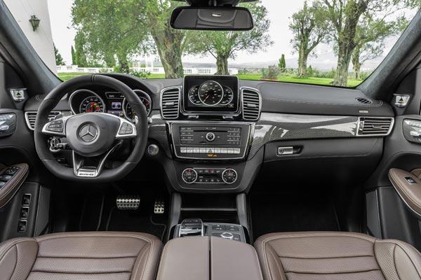 Интерьер салона Mercedes GLS 63 AMG