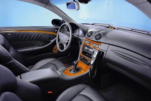 Интерьер салона Mercedes CLK