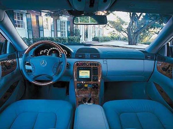 Интерьер салона Mercedes CL