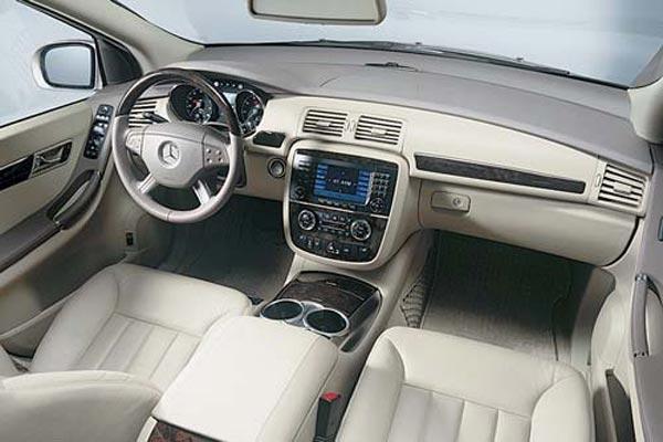 Интерьер салона Mercedes R-Class