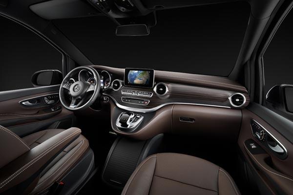 Интерьер салона Mercedes V-Class