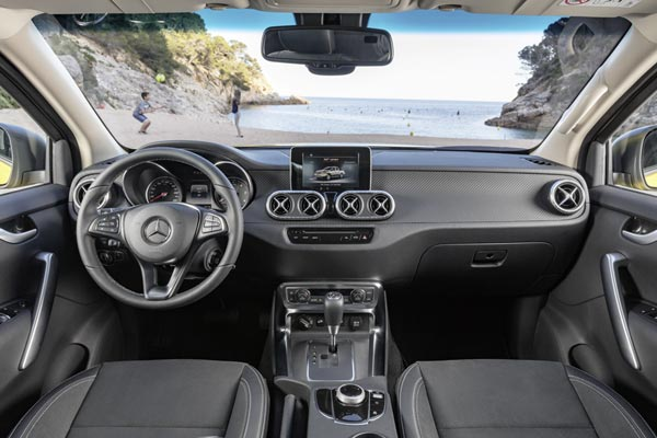 Интерьер салона Mercedes X-Class