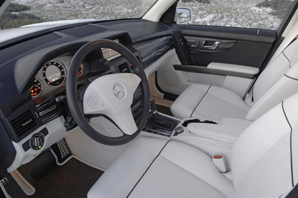 Интерьер салона Mercedes GLK Vision