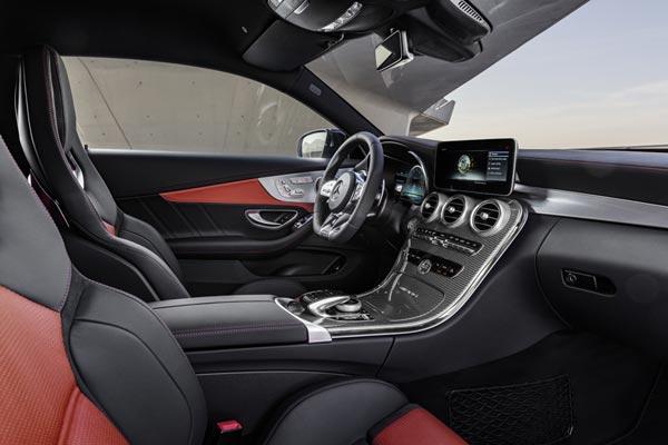 Интерьер салона Mercedes C-Class AMG Coupe