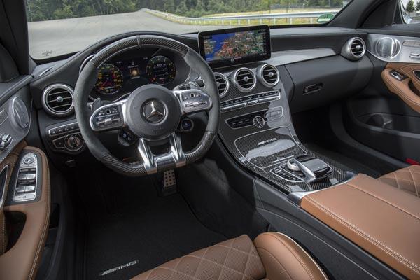 Интерьер салона Mercedes C-Class AMG Estate