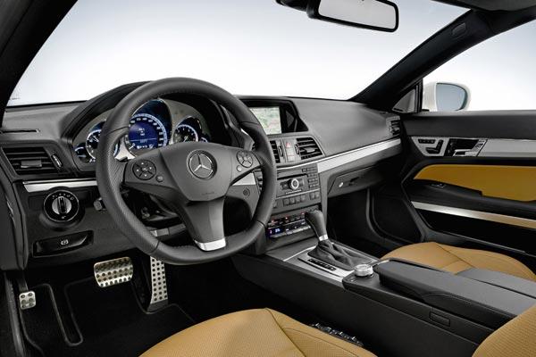 Интерьер салона Mercedes E-Class Coupe