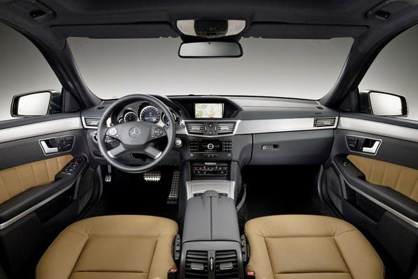 Интерьер салона Mercedes E-Class Touring