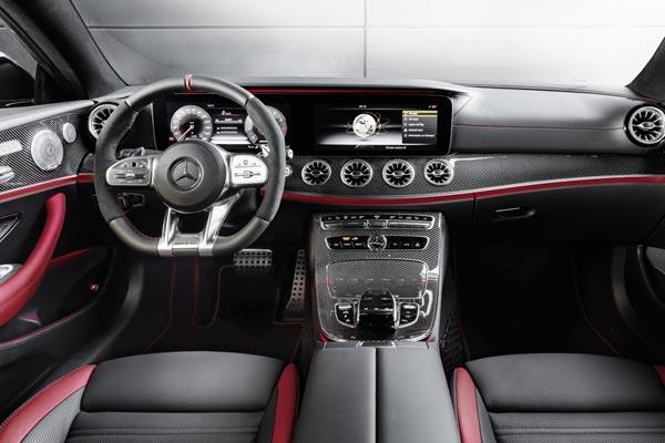 Интерьер салона Mercedes E53 AMG Coupe