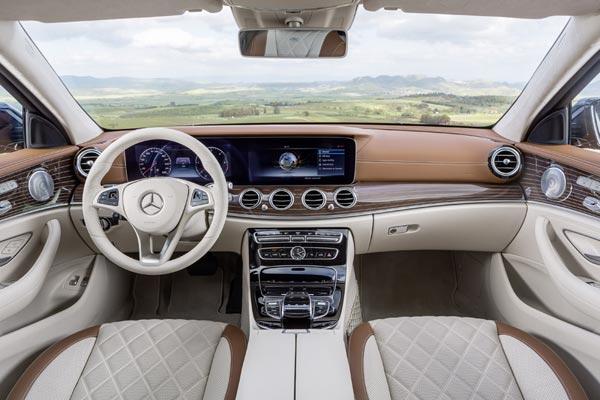 Интерьер салона Mercedes E-Class Estate