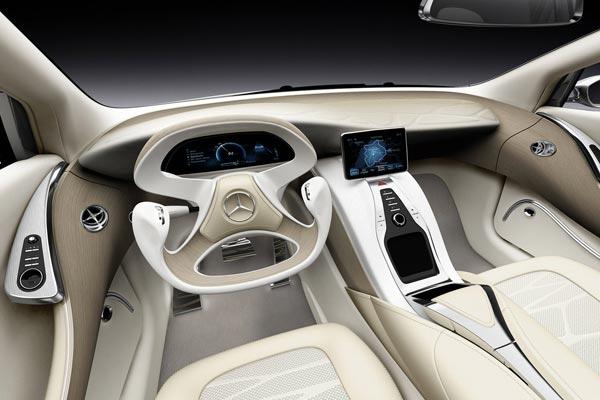 Интерьер салона Mercedes F800 Style Concept