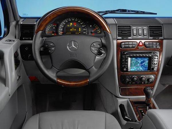 Интерьер салона Mercedes G-Class 3-Door