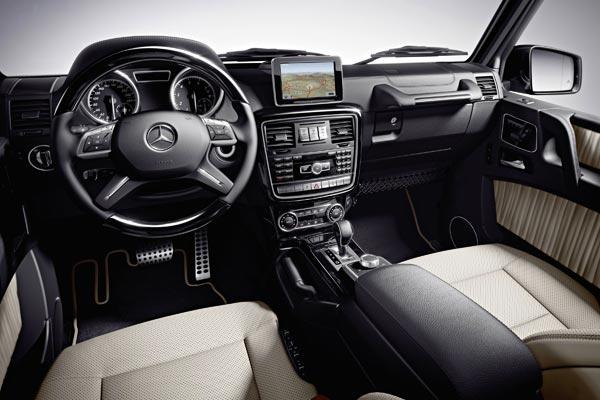 Интерьер салона Mercedes G-Class