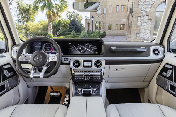 Интерьер салона Mercedes G-Class AMG