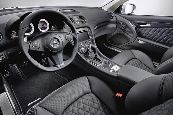 Интерьер салона Mercedes SL AMG
