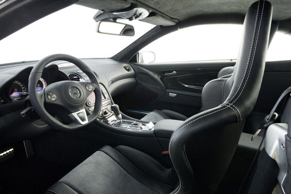 Интерьер салона Mercedes SL65 AMG Black Series