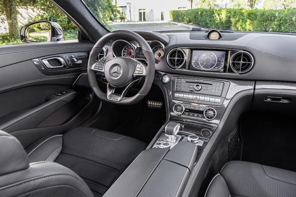 Интерьер салона Mercedes SL63 AMG