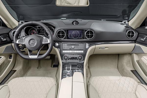Интерьер салона Mercedes SL65 AMG