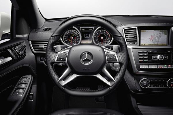 Интерьер салона Mercedes ML 63 AMG