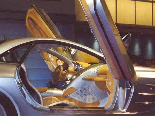 Интерьер салона Mercedes SLR Concept
