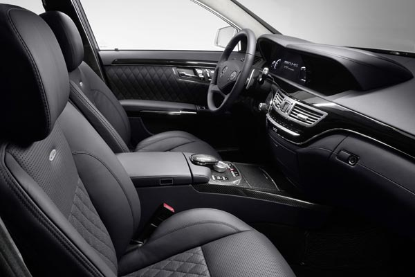 Интерьер салона Mercedes S65 AMG