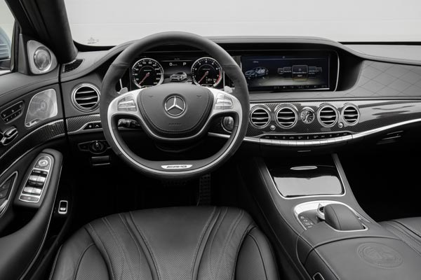 Интерьер салона Mercedes S63 AMG