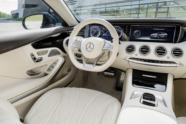 Интерьер салона Mercedes S65 AMG Coupe
