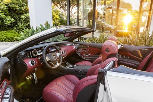 Интерьер салона Mercedes S63 AMG Cabrio