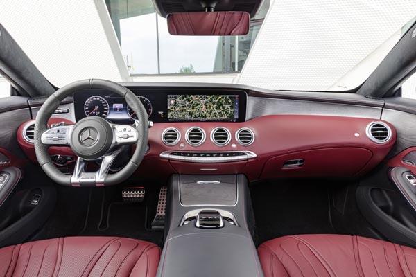 Интерьер салона Mercedes S-Class Cabrio