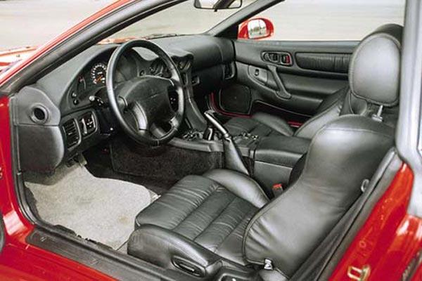 Интерьер салона Mitsubishi 3000 GT
