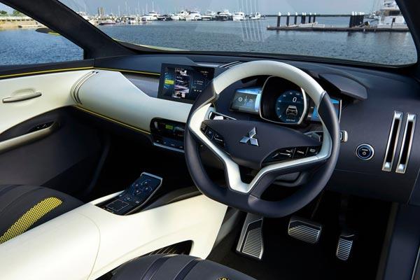 Интерьер салона Mitsubishi eX Concept