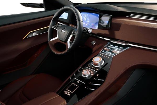 Интерьер салона Mitsubishi GT-PHEV Concept